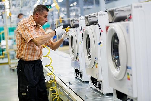 фото работа на заводе LG